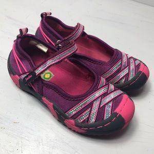 Jambu Pink Fia Mary Jane outdoor shoes.